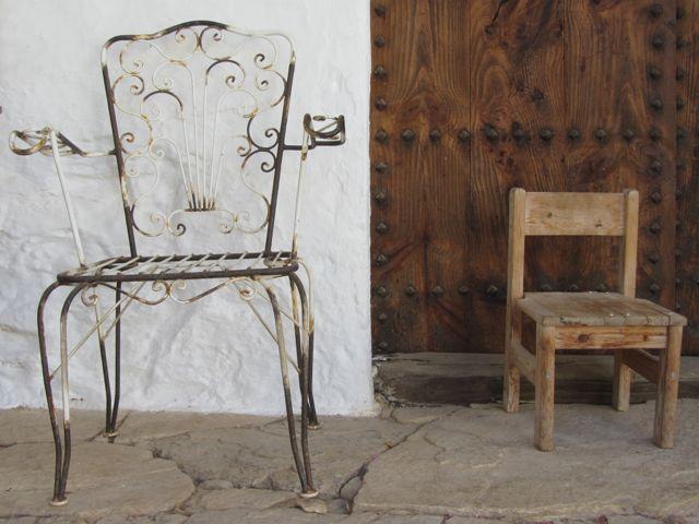 kleiner und grosser Stuhl